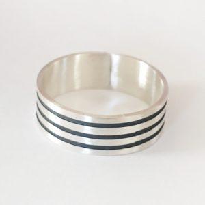 טבעת לגבר | פסים שחורים